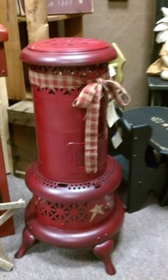 Old heater. I have one just like this that is black. I'm not sure I would want to paint it.