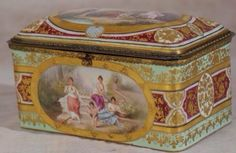 A very fine large 19th century Royal Vienna porcelain box