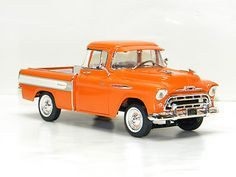 1957 CHEVY Truck Ertl 1:18 Scale DieCast Metal Model 57 Chevrolet  Pick Up