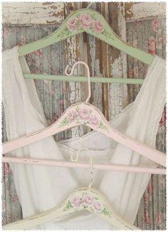 Ooh So Shabby hangers