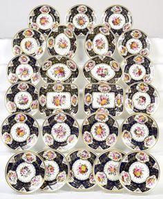 Servico de sobremesa em porcelana Inglesa do inicio do sec.19th, 26m de diametro, 5,080 USD / 4,660 EUROS / 19,600 REAIS / 33,260 CHINESE YUAN soulcariocantiques.tictail.com