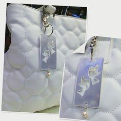Vakker veske-refleks  #refleks #veskepynt #peacedove #pearl #silver #fashion #design #seemenorway