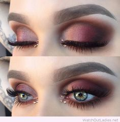 Burgundy eye makeup for blue eyes with beautiful details . - Make up ideen - Eye Makeup Blue Eye Makeup, Love Makeup, Skin Makeup, Makeup Inspo, Makeup Inspiration, Makeup Ideas, Burgundy Makeup Look, Makeup With Blue Eyes, Jewel Makeup