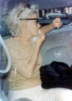 Marilyn Monroe (June 1, 1926 - August 5, 1962) , 1962. R