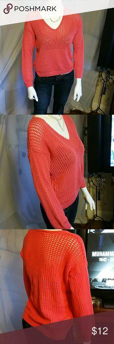 JEANNE PIERRE top JEANNE PIERRE top, longer sleeves small slide slit. Great color for the summer JEANNE PIERRE Tops