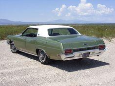 1970 Ford LTD hardtop sedan