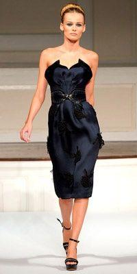 cf20bf6fad2 little black dress with a twist Fashion Moda