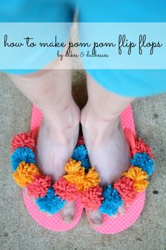 Monochromatic to Colorful: 15 Ways to Rock DIY Lace-up Pom-pom Sandals # -pomSandals # Quick Crafts, Craft Stick Crafts, Diy Craft Projects, Yarn Crafts, Projects For Kids, Craft Ideas, Craft Activities For Kids, Crafts For Kids, Activity Ideas