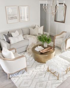 Living Room Decor Grey And White, Beige Living Rooms, Elegant Living Room, Living Room Modern, Home Living Room, Apartment Living, Parisian Apartment, White Apartment, Apartment Goals