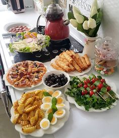 Image may contain: 1 person, food - - Breakfast Presentation, Food Presentation, Party Food Buffet, Breakfast Platter, Breakfast Bread Recipes, Food Platters, Food Decoration, Aesthetic Food, Food Design