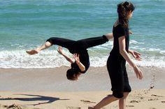 Shenyun dancers