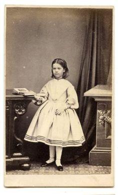 1863-Id-HARRIET-RUSHWORTH-LITTLE-GIRL-CDV-PHOTO-CARTE-DE-VISITE-OXFORD-FASHION