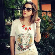 Hoje tem #lookdodia com a t-shirt linda da @sejamesclado by Joana Passarelli! Detalhes no blog: www.fashionflats.com.br #dujour #dodia #sejamesclado #joanapassarelli #parceirosdabessa #ootd #wiwt #fashionblogger #blogueirascariocas #blogger #tshirt #veraocarioca #cores #estampa #fauna