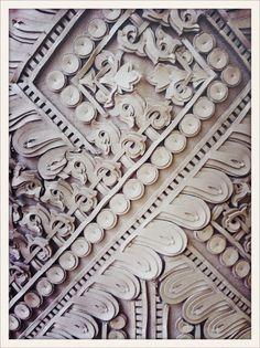 vogueparis:  Détail d'une robe en dentelle de cuir à la présentation // Leather lace detail on a dress from Givenchy haute couture Fall/Winter 2012-2013