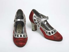 Shoes, Ignazio Pluchino, 1925. Museum of London. 1920s flapper shoes,pumps. Dark red and silver colour.