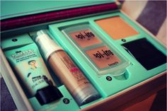new benefit makeup kit... On my list of things to try