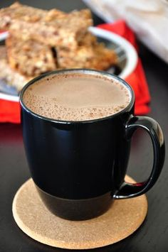 Nutella Hot Chocolate 3 tablespoons nutella 1 cups milk Directions: Put Nutella and cup milk in small saucepan over medium heat. Add remaining milk, increase heat to medium-high, and whisk until hot and frothy. Nutella Hot Chocolate, Homemade Hot Chocolate, Hot Chocolate Recipes, Chocolate Hazelnut, Chocolate Frosting, Chocolate Lovers, Köstliche Desserts, Delicious Desserts, Yummy Food