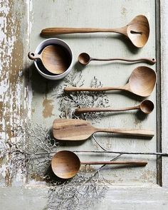 Beautifully shaped hand carved a wooden spoon from HK Living in teak with a short handle. Ideal for scooping coffee or cereals.Size: x x Material: Teak wood Care: Handwash Wooden Spoon Carving, Carved Spoons, Wood Spoon, Wooden Ladle, Tons Clairs, Spoon Art, Bois Diy, Wooden Art, Wooden Kitchen