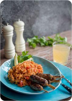 Kleiner Kuriositätenladen: Ćevapčići mit Djuvec-Reis
