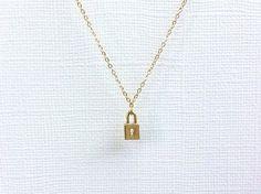 15. #petite serrure - 29 #colliers délicats que vous ne #voulez jamais #prendre hors... → #Jewelry