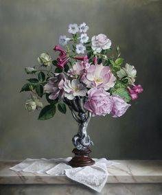 Pieter Wagemans Belgian artist specialized in realistic oil paintings of flowers. Flower Vases, Flower Art, Flower Arrangements, Realistic Oil Painting, Art Folder, Floral Drawing, Gifts For An Artist, Arte Floral, Artist Art