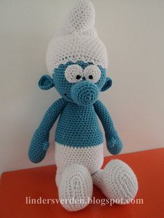 crocheted smurf! WOW! (free pattern!)  How do I translate the pattern into  English.