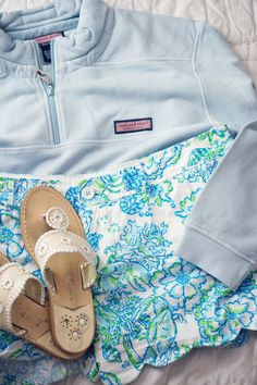Nothing says southern prep like Vineyard Vines, Lilly Pullitzer, and Jack Rogers! This outfit would be perfect for a breezy walk along the beach. Preppy Outfits, Summer Outfits, Cute Outfits, Preppy Clothes, Preppy Wardrobe, Preppy Dresses, Preppy Casual, Preppy Fashion, Amazing Outfits
