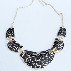 Vintage Leopard Pattern Pendant Women's Necklace, AS THE PICTURE in Necklaces | DressLily.com