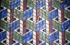 BLUE / GEOMETRIC / GRAPHIC / GREEN / OPTICAL ILLUSION / RED / SQUARES / TILES