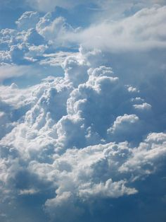 Find images and videos about beautiful, sky and wallpaper on We Heart It - the app to get lost in what you love. Above The Clouds, Sky And Clouds, Blue Clouds, Wallpaper Horizontal, Sky Aesthetic, George Harrison, Beautiful Sky, Aesthetic Backgrounds, Belle Photo