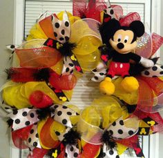 Mickey Mouse Deco Mesh Wreath Disney Wreath by CntryGrlWreaths. (Possibility for Vickie) Mickey Mouse Wreath, Mickey Mouse Christmas, Christmas Deco, Minnie Mouse, Wreath Crafts, Diy Wreath, Wreath Ideas, Wreath Making, Disney Diy