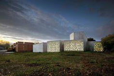 LAM EXTENSION. Location: Villeneuve d'Ascq, France;  firm: Manuelle Gautrand; client: Lille Métropole Communauté Urbaine;  photo: Max Lerouge – LMCU, Vincent Fillon; year: 2009-2010
