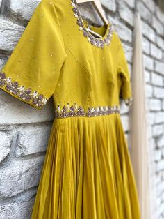 Kurta Designs Women, Blouse Designs, Anarkali Dress, Lehenga, Indian Dress Up, Long Dress Design, Cotton Frocks, Fashion Project, Indian Designer Wear
