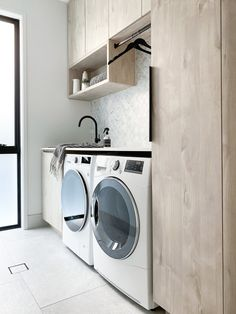 Ready for a new washing machine? Front loaders have come a long way.we look at the technology you should expect when purchasing your new machine. Dryer Machine, Washing Machine And Dryer, Washing Machines, Laundry Decor, Laundry Room Design, Lg Washer And Dryer, Laundy Room, Garage Laundry, Laundry Room Inspiration