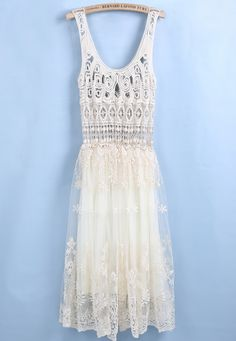 Apricot Sleeveless Hollow Embroidered Pleated Dress - Sheinside.com