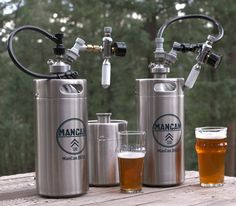 What if you could take a personal keg system anywhere? Well, with the ManCan 128 Machismo Kit you can! The ManCan 128 holds the equivalent of nearly 11 bottles of beer, and features a perfect pour, regulator system, allowing you and your frie Home Brewery, Home Brewing Beer, Beer Growler, Beer Bar, Ginger Ale, Beer Company, Brewing Equipment, Brew Pub, Beer Recipes