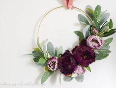 Best DIY projects to create this month: modern hoop wreath
