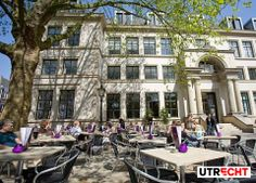 In 2011, De Rechtbank was proclaimed the best city outdoor café in the Netherlands. Time for a visit!