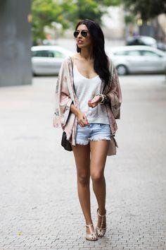 Sissy à la mode: Kimono & Shorts