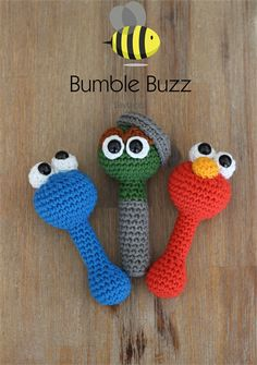 Sesame St – Elmo, Cookie Monster, Oscar the Grouch Rattles Sesame St – Elmo, Cookie Monster, Oscar the Grouch Rattles Crochet Baby Toys, Crochet Animals, Crochet For Kids, Diy Crochet, Crochet Dolls, Amigurumi Patterns, Crochet Patterns, Elmo And Cookie Monster, Shower Bebe