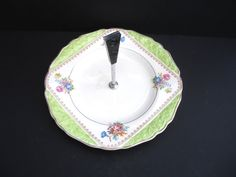 James Kent Cottage Chic Cake Stand with Bakelite Handle by FillyGumbo Vintage Cake Plates, Uk Shop, Cottage Chic, Earthenware, Birthday Candles, 1950s, Old Things, Handle, Pottery