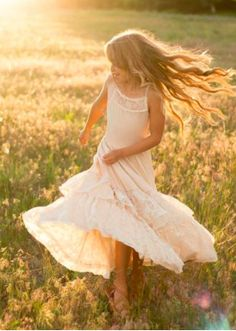 Look effortlessly elegant and playful all at once with this boho maxi dress featuring a full tiered skirt with lace ruffles and a scalloped lace detail in the back. This dress is perfect for twirling on fall days. Little Girl Pictures, Little Girl Photography, Kid Photography, Dress Outfits, Girl Outfits, Girl Photo Shoots, Photo Editing, Girl Fashion, White Dress