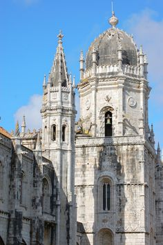 breathtakingdestinations: Lisbon - Portugal (by- Adam Reeder. Pretty Sky, Beautiful Sky, Amazing Photography, Travel Photography, Amazing Buildings, Sky Aesthetic, Lisbon Portugal, Cool Places To Visit, Barcelona Cathedral