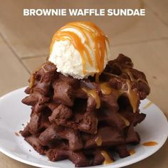 #chocoholic #recipes #delicious #foodvideo #tasty #chocolate Tasty Videos, Food Videos, Brownie Waffles, Chocolate Videos, Waffle Maker Recipes, Recipe For 4, Holiday Desserts, Diy Food, Street Food