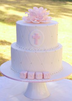 Christening Flower Cake - College-Look Baby Girl Baptism, Baptism Party, Baptism Ideas, Girl Cakes, Baby Cakes, Pink Christening Cake, Baptism Cakes, First Communion Decorations, Religious Cakes