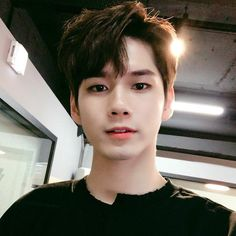 Find images and videos about kpop, wanna one and ong seongwoo on We Heart It - the app to get lost in what you love. Cute Korean, Korean Men, Korean Style, Jinyoung, Park Seul, Park Hye Min, Ong Seung Woo, Kim Jisoo, Ulzzang Boy