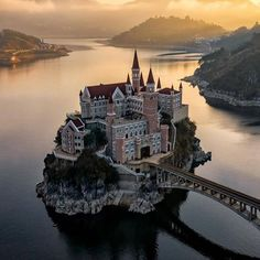 Photos by The post Fairytale castle Guizhou, China. Photos appeared first on . Beautiful Castles, Beautiful Buildings, Beautiful Places, Castle On The Hill, Castle House, Fantasy Castle, Fairytale Castle, Places To Travel, Places To Visit