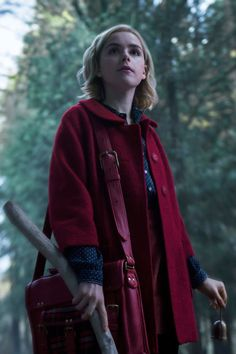 """""""The Chilling Adventures of Sabrina"""": New series """"Sabrina – Total Verhext!"""", The series hit from the is being re-filmed. All information about the cast, content, new name and start date of the Netflix series. Archie Comics, Series Movies, Movies And Tv Shows, Kiernan Shipka, Sabrina Spellman, Film Serie, Fandoms, Ross Lynch, Favorite Tv Shows"""