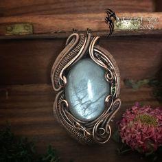 ac16aff116 Ciondolo in pietra di grande arcobaleno in pietra di luna Pietra Di Luna  Arcobaleno, Metallo