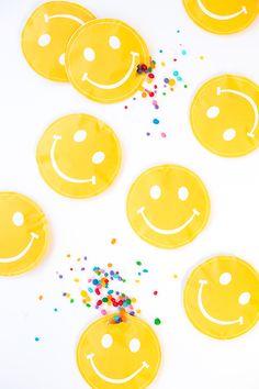 DIY | Smiley Face Favor Pouches